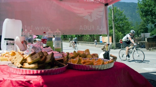 Sportive feed station