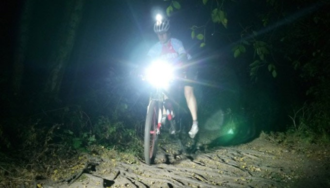 night-riding-mtb