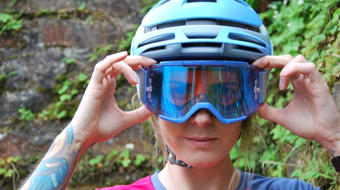 Reviewed Smith S Forefront Mips Helmet And Squ
