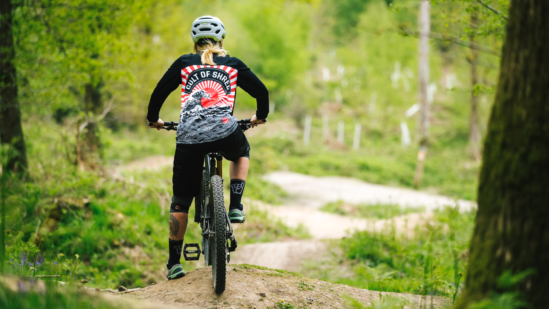 Loose riders jersey