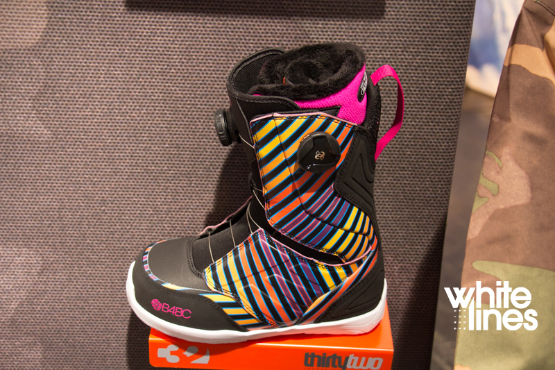 32 womens snowboard boots