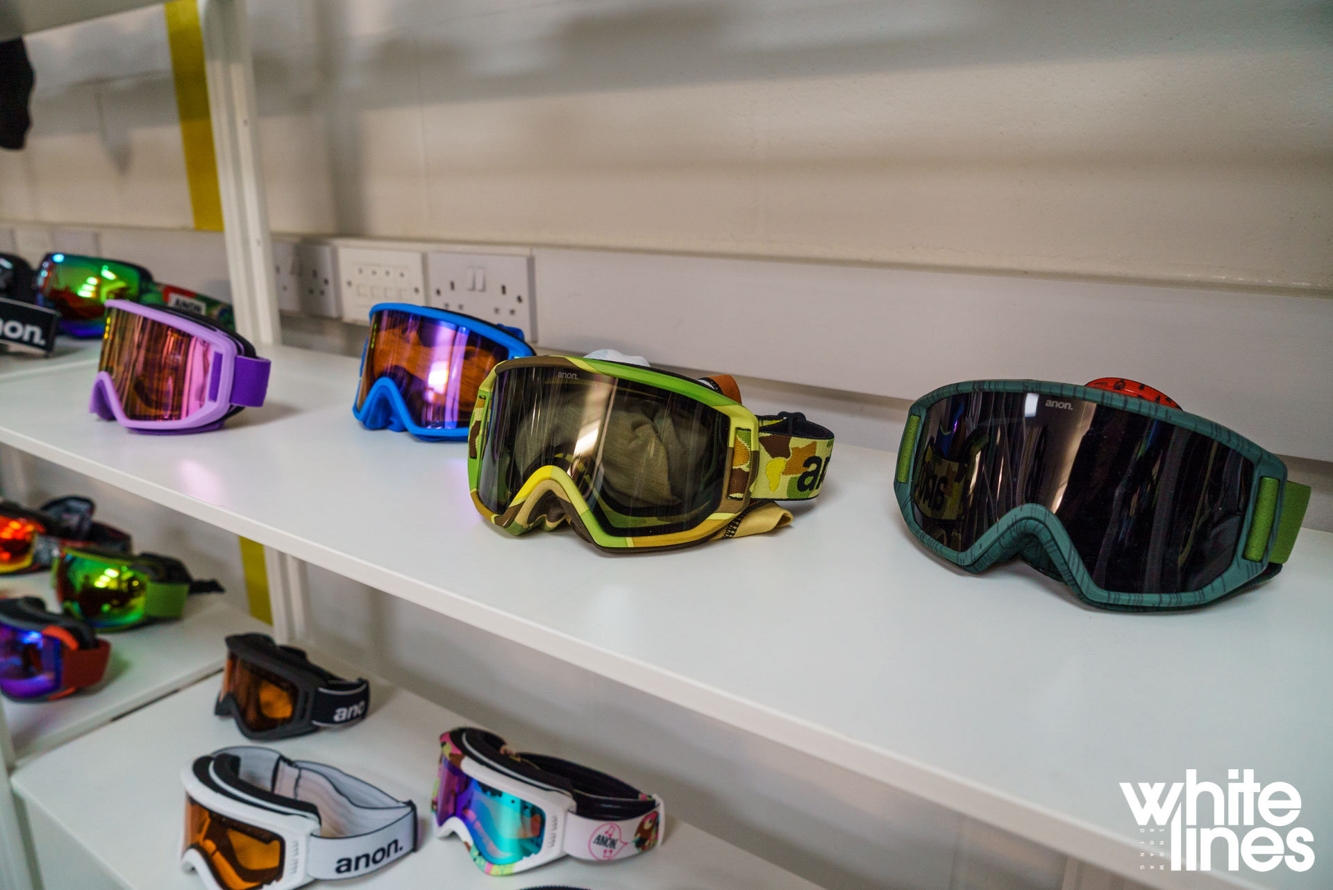 Anon Snowboards Goggles And Helmets 2017 2018 Previe