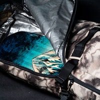 dakine-high-roller-ski-snowboard-bag-accessories-2019-2020