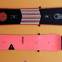 Bataleon-Wallie-Party-Wave-Plus-Snowboard-Preview-Rock-On-2020-2021 copy