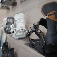 drake_snowboard_bindings_reload_new_snowboard_gear_ispo_2020_21-205